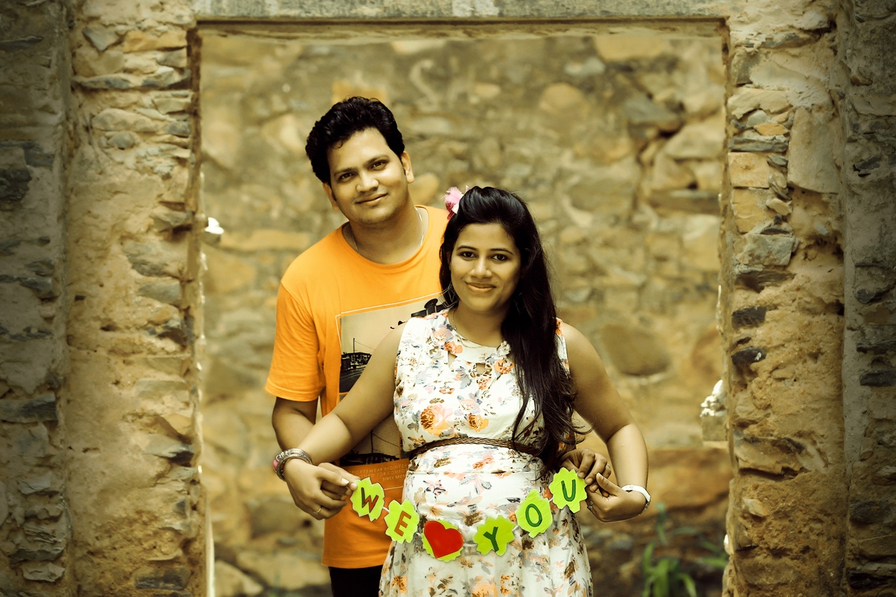 Lucky digi studio udaipur maternity pictures